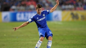 Chelsea football player Marco Van Ginkel controls the ball during the exhibition match at Rajamangala National stadium in Bangkok on July 17, 2013.  Chelsea beat Singha All Star 1-0.   AFP PHOTO / PORNCHAI KITTIWONGSAKUL